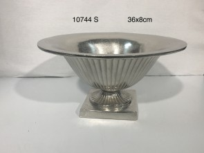 Bowl on sq. base